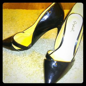 Patent leather NWOT blk pumps